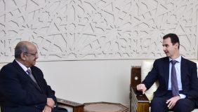 Abdelkader Messahel avec le président syrien Bachar Al-Assad, à Damas. D. R.
